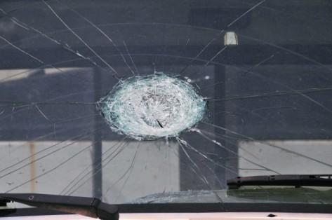 FEMA_-_44376_-_truck_windshield_with_hail_damage_in_OK-e1428370358551